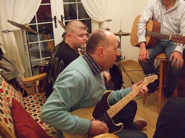 guitar jamming