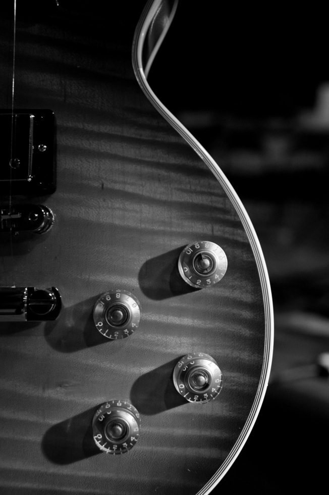 close up of a gibson